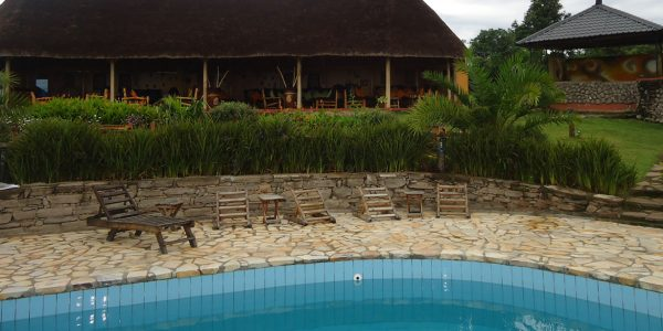 Uganda - Queen Elizabeth National Park - Katara Lodge - Outside