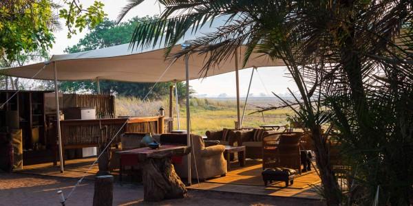 Zambia - Kafue National Park - Busanga Bush Camp - Bar