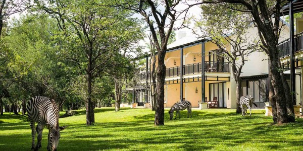 Zambia - Livingstone - Royal Livingstone Hotel - Outside