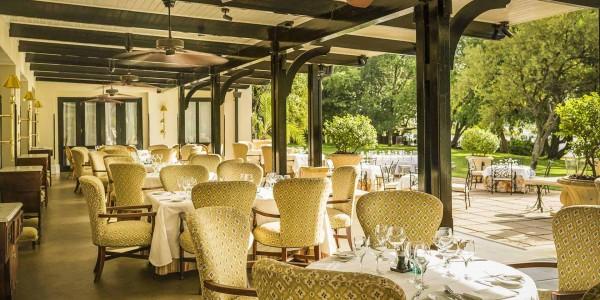 Zambia - Livingstone - Royal Livingstone Hotel - Restaurant