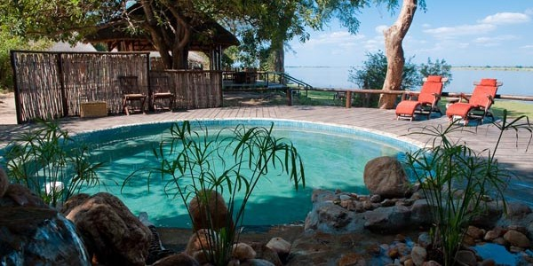 Zambia - Lower Zambezi National Park - Chiawa Camp - Pool
