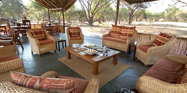 Zambia - Lower Zambezi National Park - Old Mondoro Camp - Lounge
