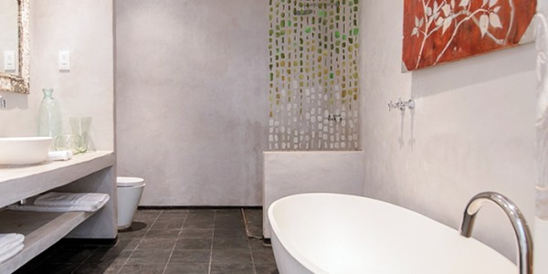 Zambia - Lusaka - Latitude 15 degrees - Bathroom