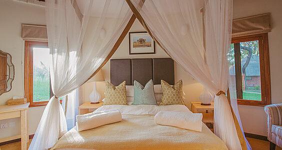 Zambia - Lusaka - Lilayi Lodge - Family Chalet
