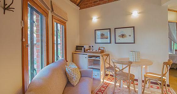 Zambia - Lusaka - Lilayi Lodge - Family Chalet Lounge