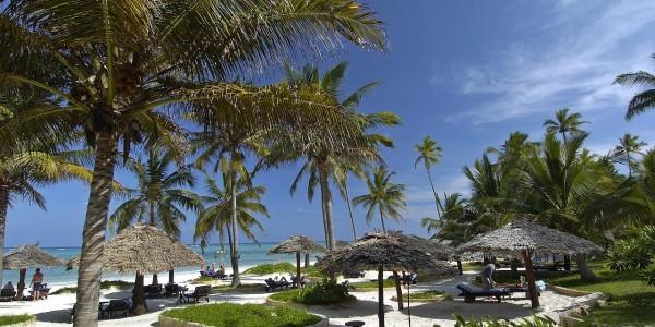 Zanzibar - Zanzibar Beaches - Breezes Beach Club & Spa - Beach