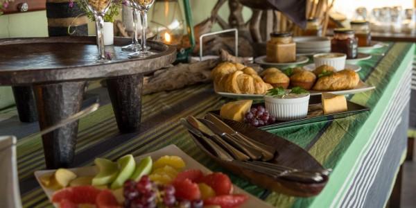 Zimbabwe - Hwange National Park - Camp Hwange - Breakfast