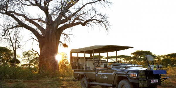 Zimbabwe - Malilangwe Private Wildlife Reserve - Singita Pamushana Lodge - Sundowner