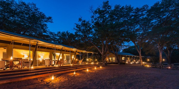 Zimbabwe - Hwange National Park - Verney's Camp - Outside