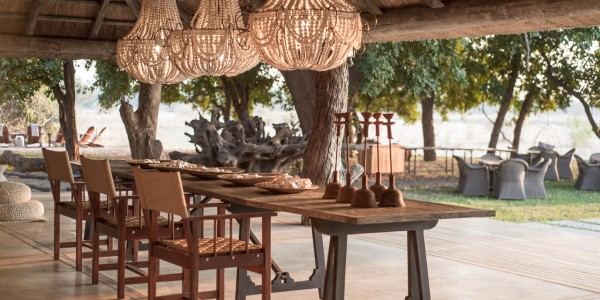 Zimbabwe - Mana Pools National Park - Chikwenya - Dining 2