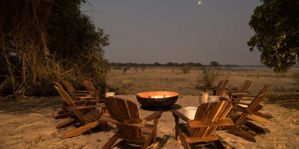 Zimbabwe - Mana Pools National Park - Chikwenya - Firepit