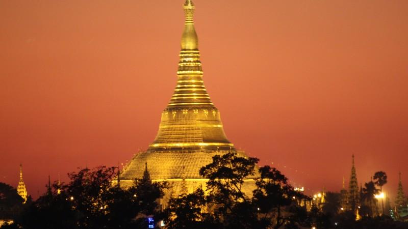 Shwedagon Pagoda_Yangon_Myanmar_Shwedagon Pagoda Night View