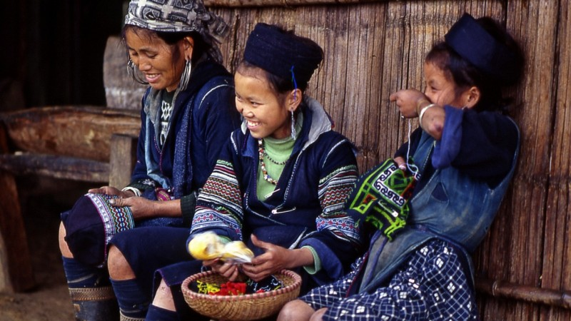 ethnic_hilltribes_in_sapa[1]