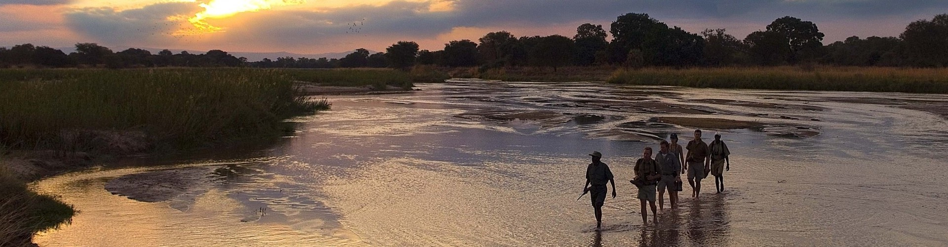 Walking across the Mupamadzi