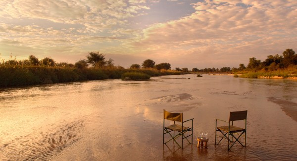 MWALESHI-CAMP---river-bed sundowner