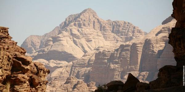 jordan-wadi-rum-mountains-01