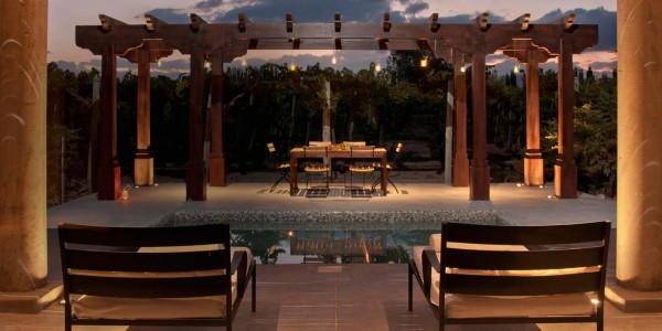 Argentina - Mendoza - Cavas Wine Lodge - Outside