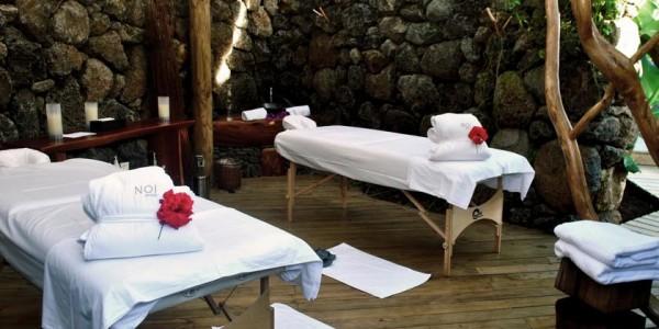 Chile - Easter Island - Hare Noi - Massage