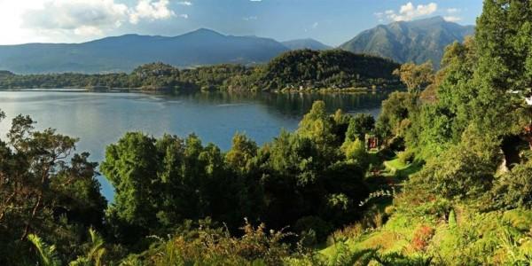 Chile - Santiago - The Lake District - Antumalal - Lake