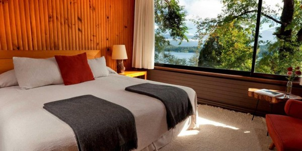 Chile - Santiago - The Lake District - Antumalal - Room