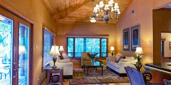 Belize - Orange Walk - Chan Chich Lodge - Living Area