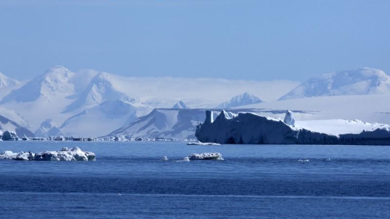 Antarctica - Wedell Sea - Oceanwide - Iceberg scenery by Wim van Passel