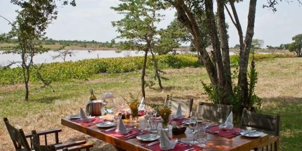 Kenya - Laikipia - Kicheche Laikipia Camp - Dining Outside