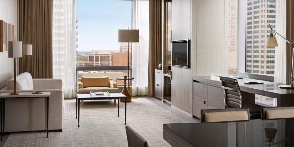 Canada - Niagara Falls - Four Seasons Hotel Toronto - Yorkville Suite