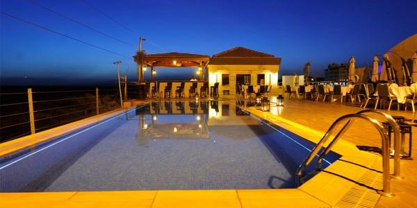 Kenya - Nairobi - Ole Sereni - Pool Bar