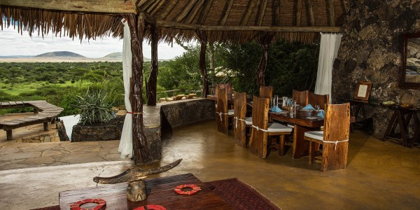 Kenya - Tsavo & Chyulu Hills - ol Donyo Lodge - Inside
