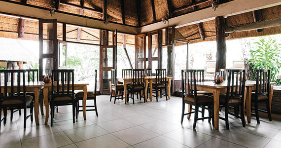 Zimbabwe - Gonarezhou National Park - Chilo Gorge Safari Lodge - Dining