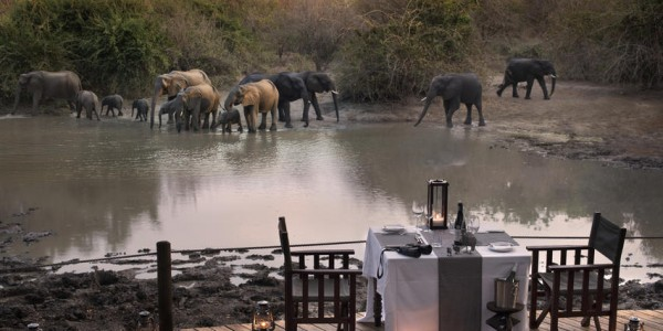 Zimbabwe - Mana Pools National Park - Kanga Camp - Dining
