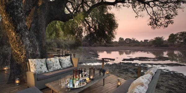 Zimbabwe - Mana Pools National Park - Kanga Camp - Sundowners