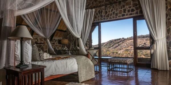 Zimbabwe - Matobo Hills National Park - Big Cave Camp - Bedroom