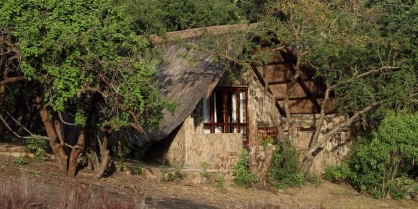 Zimbabwe - Matobo Hills National Park - Big Cave Camp - Outside