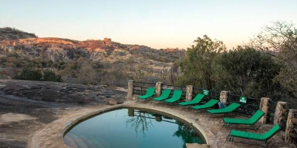 Zimbabwe - Matobo Hills National Park - Big Cave Camp - Pool
