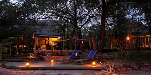 Zimbabwe - Matusadona National Park & Lake Kariba - Changa Safari Camp - Outside