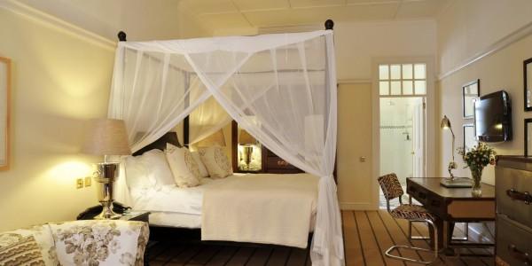 Zimbabwe - Victoria Falls - Victoria Falls Hotel - Room
