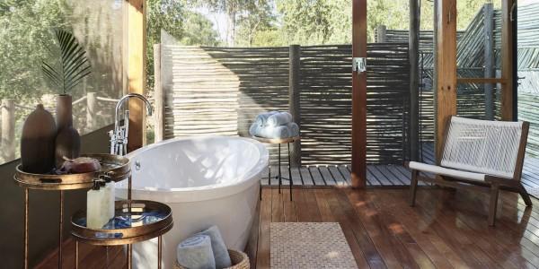 Zimbabwe - Victoria Falls - Victoria Falls River Lodge - Family Tent Bathroom