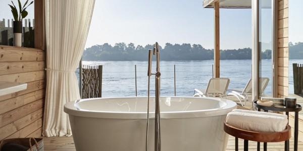 Zimbabwe - Victoria Falls - Victoria Falls River Lodge - Island Treehouse Bathroom