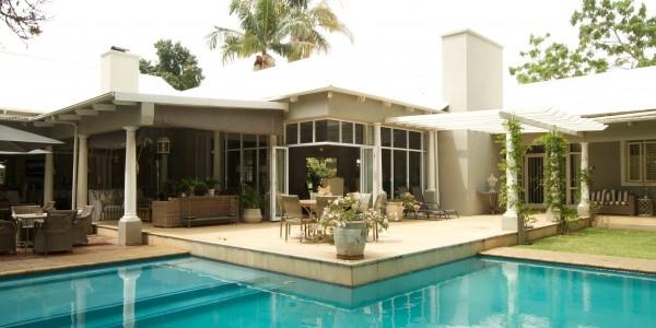 Zimbabwe - Harare - Highlands House - Outside