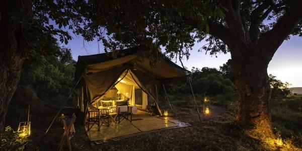 Zimbabwe - Mana Pools National Park - John's Camp - Tent