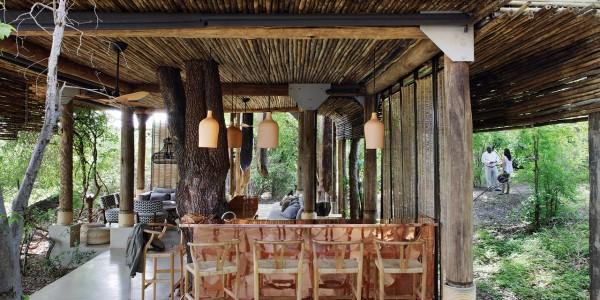 Zimbabwe - Victoria Falls - Matetsi River Lodge - Copper Bar